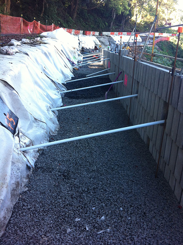 Block Retaining Wall Tie Backs : Reinforced soil structures consisting of segmental concrete blocks and